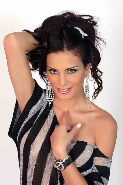 dominique-hourani-254-9844-5567380 Top Arabian Models–15 Prettiest Arabian Female Models in the World